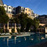 Hotel de Pucón con su piscina