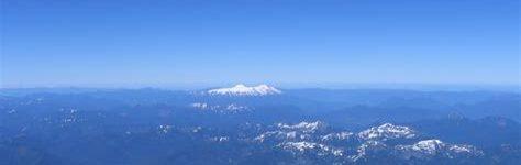 Desde la cima de un volcán nevado